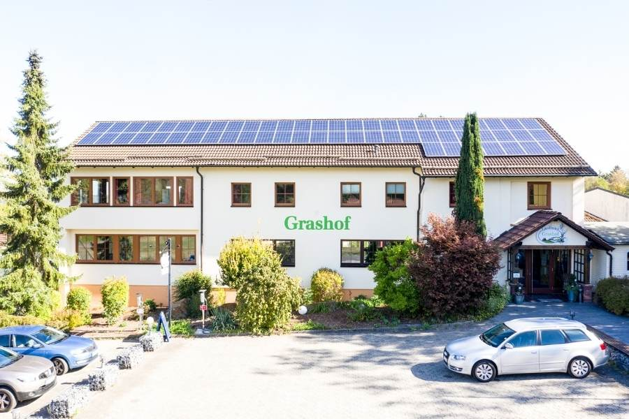 Grashof Front 900 x 600