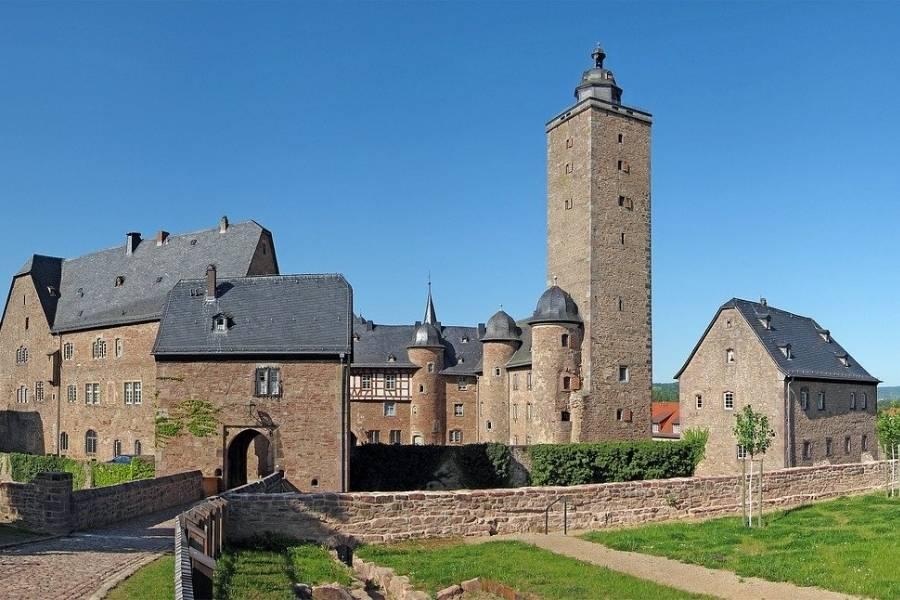 Schloss Steinau 900x600